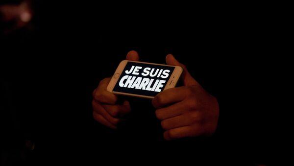 Je Suis Charlie on an iPhone in Trafalgar Square - Sputnik France