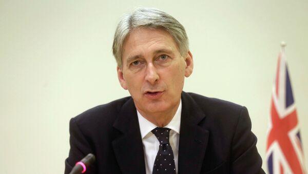 Le secrétaire britannique aux Affaires étrangères Philip Hammond lors d'une conférence de presse à Tallinn (Estonie) le 23 février 2015 - Sputnik France