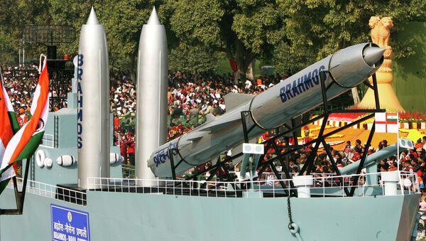 Missile supersonique russo-indien BrahMos - Sputnik France
