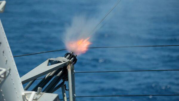 Tir du système Phalanx depuis l'USS Blue Ridge - Sputnik France