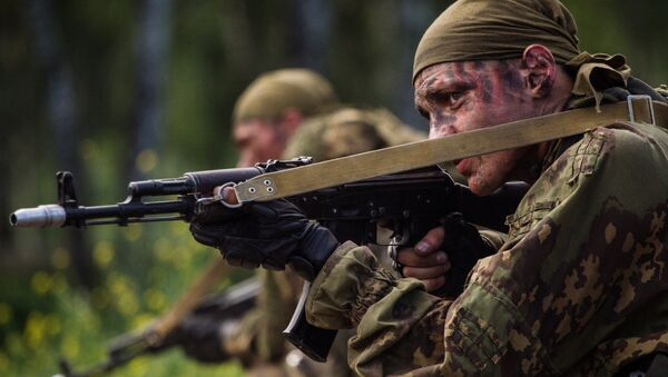 Des participants d'un concours militaire représentant des Forces armées russes - Sputnik France