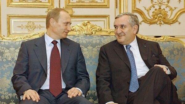 Vladimir Poutine et Jean-Pierre Raffarin en 2003 - Sputnik France