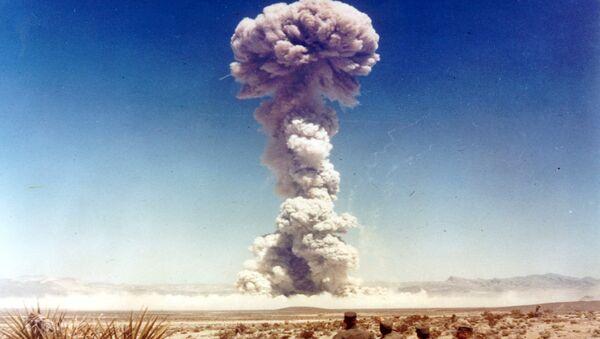 Test nucléaire amérocain au Nevada en 1951 - Sputnik France