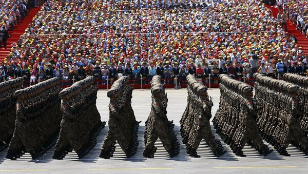 Soldiers of China's People's Liberation Army (PLA) march during the military parade to mark the 70th anniversary of the end of World War Two, in Beijing, China, September 3, 2015 - Sputnik France