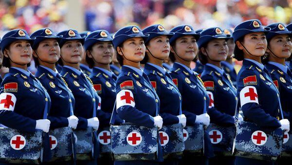 Défilé militaire spectaculaire à Pékin - Sputnik France