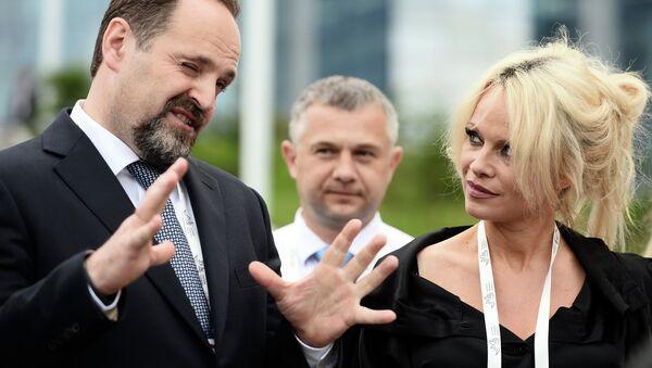 Pamela Anderson en Russie pour sauver l'environnement - Sputnik France