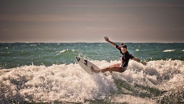 Surfeuse - Sputnik France
