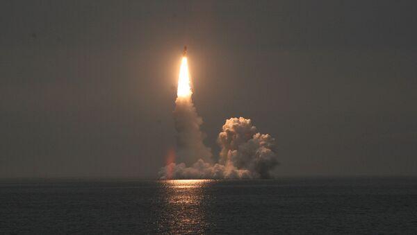 Le lancement d'essai d'un missile intercontinental Boulava - Sputnik France
