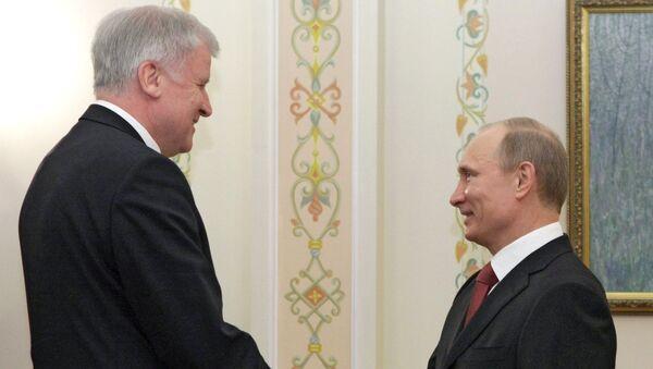 Horst Seehofer et Vladimir Poutine (archives) - Sputnik France