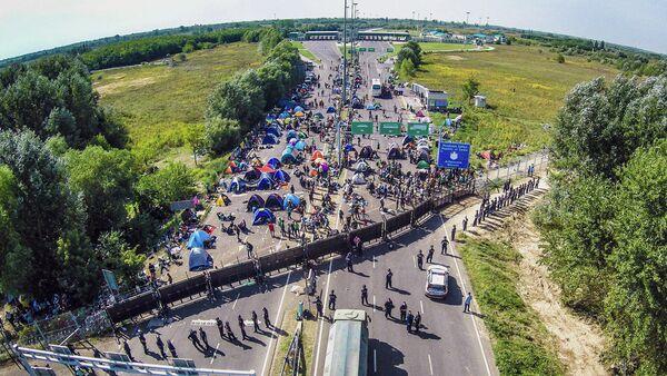 Migrants. Frontière de la Serbie - Sputnik France