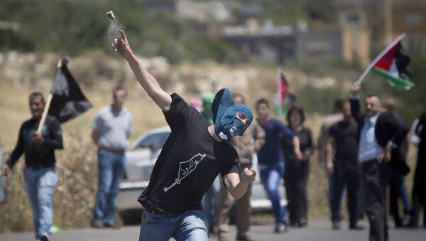 Les lanceurs de pierres palestiniens - Sputnik France