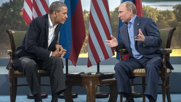 Le président russe Vladimir Poutine et le président américain Barack Obama - Sputnik France