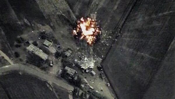Frappes russes contre l'EI en Syrie. Capture d'écran - Sputnik France