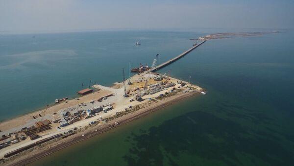 La construction du pont au-dessus du détroit de Kertch - Sputnik France