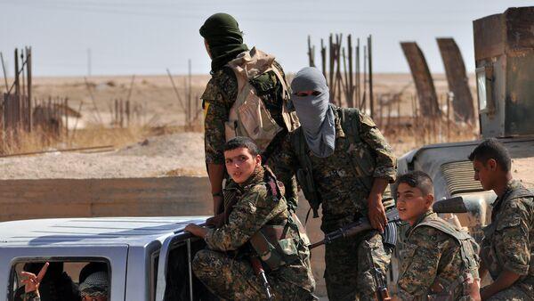 Combattants des Unités de protection du peuple (YPG) - Sputnik France