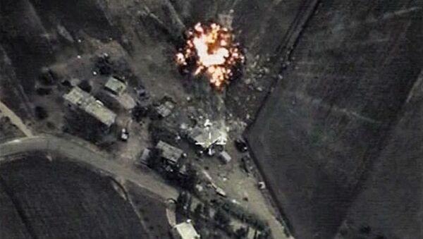 Frappes ciblées de l'aviation russe en Syrie - Sputnik France