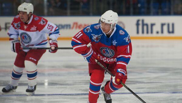 Le président russe fait du hockey sur glace - Sputnik France
