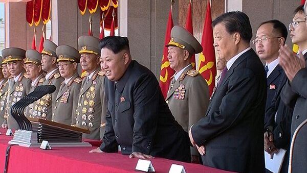 ILe numéro un de la Corée du Nord, Kim Jong-Un, préside le parade à Pyongyang à l'occasion du 70e anniversaire du parti, Oct. 10, 2015 - Sputnik France