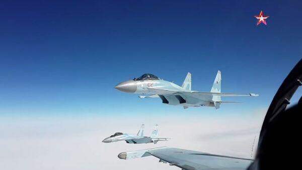 Kouriles: exercice aérien des chasseurs Su-35 - Sputnik France