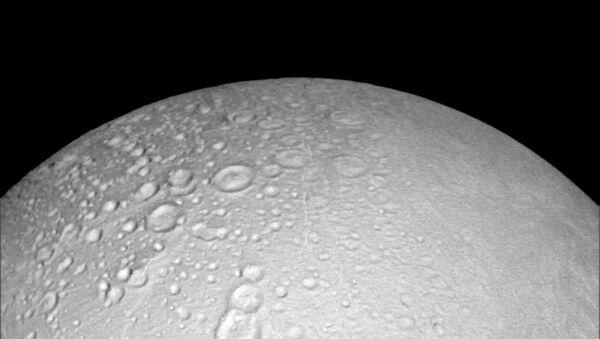Encelade, une lune de Saturne - Sputnik France