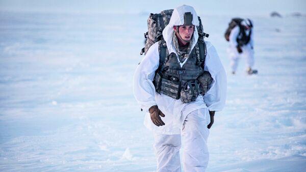 Les soldats US se forment-ils au combat hivernal pour faire la Coupe du monde de biathlon? - Sputnik France