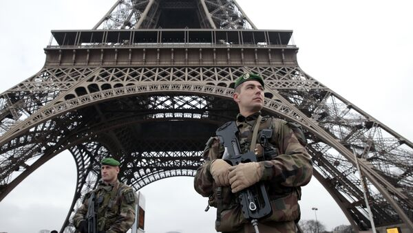 Soldats français à Paris - Sputnik France