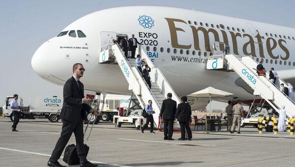 Пассажирский самолет Airbus A380-800 на международной авиационно-космической выставке Dubai Airshow-2015 - Sputnik France