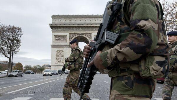 Les soldats français à Paris - Sputnik France