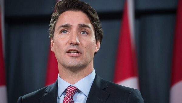 Canadian Liberal Party leader Justin Trudeau speaks at a press conference in Ottawa on October 20, 2015 after winning the general elections - Sputnik France