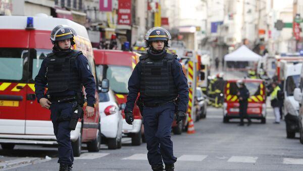 Les policiers dans le nord de Paris, banlieue de centre-ville de Saint-Denis, le 18 Novembre 2015 - Sputnik France