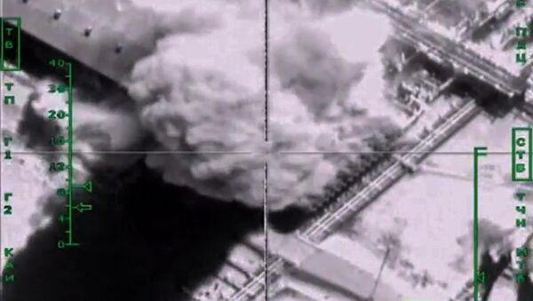 Syrie: plus de 1.000 camions-citernes de l'EI détruits par les avions russes - Sputnik France