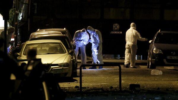 Recherche des preuves sur une rue où une bombe a explosé à Athènes - Sputnik France