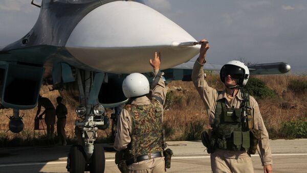 Préparation d'un vol depuis la base aérienne de Hmeimim en Syrie. - Sputnik France