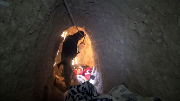Un des tunnels, découverts par les forces kurdes après qu'elles ont pris début novembre la ville irakienne de Sinjar, du nord-ouest de l'Irak contrôlée depuis plus d'un an par Daech - Sputnik France