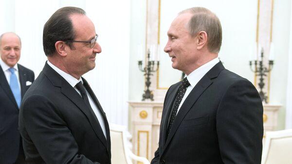 François Hollande et Vladimir Poutine - Sputnik France