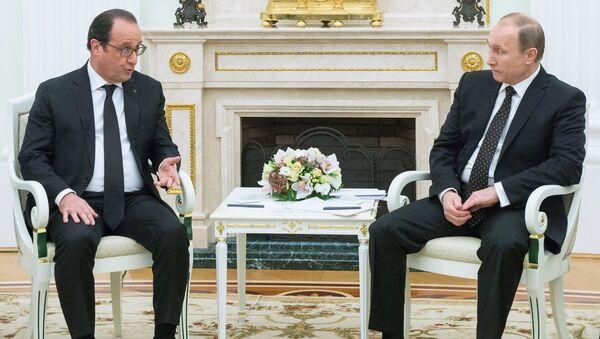 François Hollande et Vladimir Poutine lors d'une rencontre à Moscou - Sputnik France