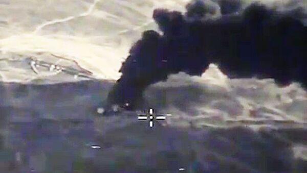 Frappes aériennes russes contre l'EI à Lattaquié et à Raqqa. - Sputnik France