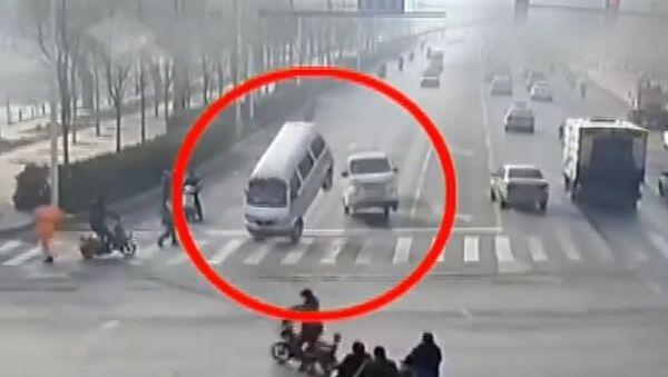 Des voitures mystérieuses en Chine - Sputnik France