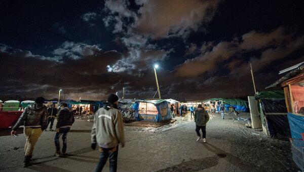 Camp de migrants jungle, Nov. 25, 2015, Calais, France. - Sputnik France
