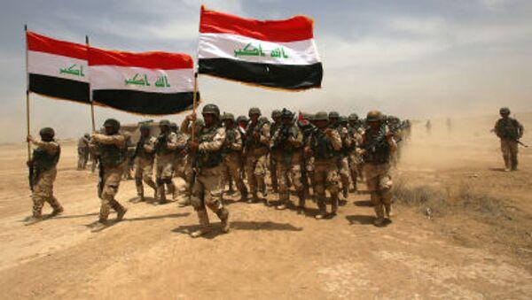 Иракские солдаты принимают участие в военных учениях, возглавляемых испанской армией под руководством армии США в лагере Басмайя в Багдаде - Sputnik France