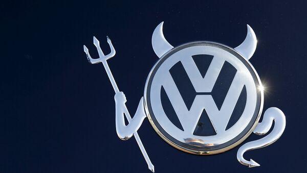 Moteurs truqués: en France, Volkswagen va rappeler à partir de février 940.000 véhicules - Sputnik France