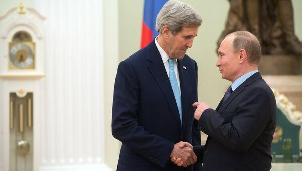Le chef de la diplomatie américaine, John Kerry et Vladimir Poutine - Sputnik France