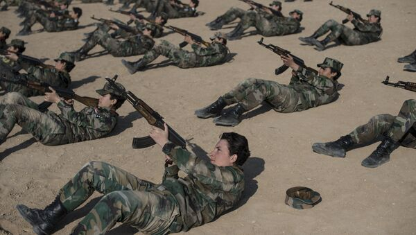 Une académie militaire pour femmes à Damas - Sputnik France