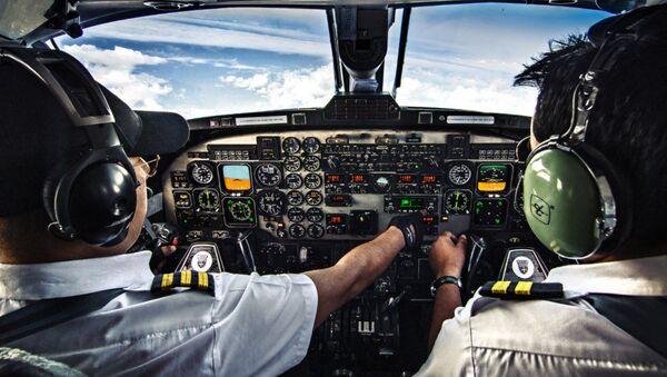 Poste de pilotage d'un avion - Sputnik France
