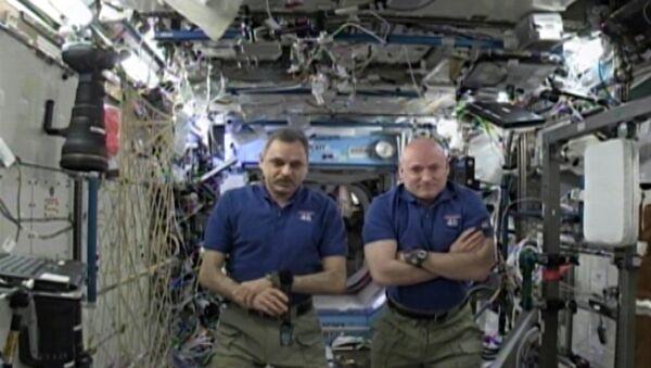 Cafetière spatiale, centrifugeuse, petits hommes verts et félicitations de l'ISS - Sputnik France