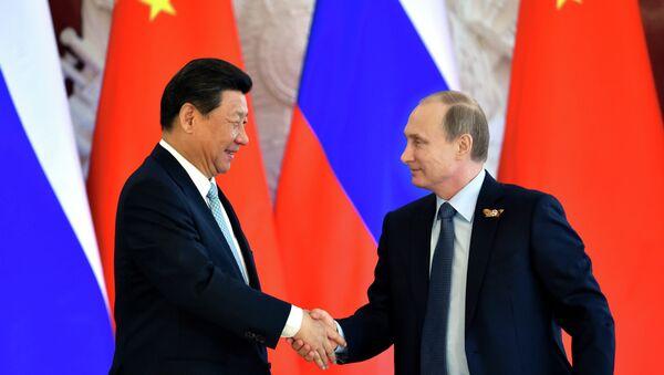 Le président russe Vladimir Poutine et le président chinois Xi Jinping - Sputnik France