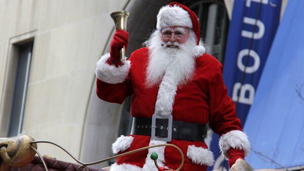 Пер Ноэль на параде Санта-Клаусов в Мон-Реале - Sputnik France