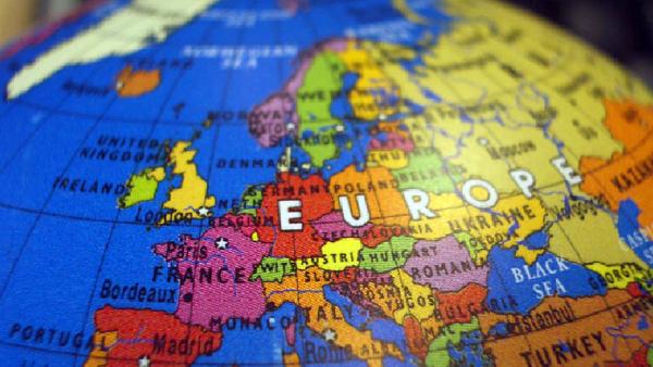 L'Europe est à la croisée des chemins, selon le président estonien - Sputnik France