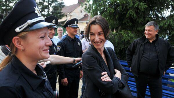 Le ministre ukrainien de l'Intérieur Arsen Avakov et la vice-ministre Eka Zgouladze au centre de formation des policiers à Lvov - Sputnik France