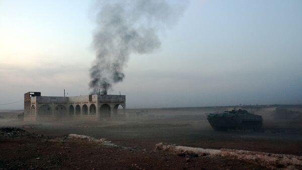 Le champ de bataille des forces hostiles au président Bachar al-Assad et celles gouvernementales, non loin d'Alep - Sputnik France